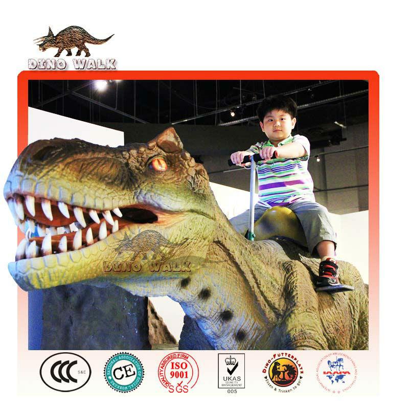 interior animatronic dinossauro rex passeio