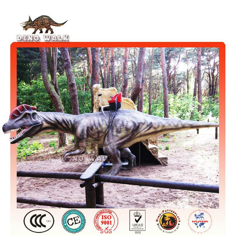 Passeio de parque- animatronic dinossauro