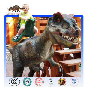 Dinosaure manège de parc d'attractions pour le plaisir