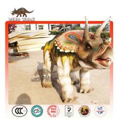 a piedi ride triceratopo