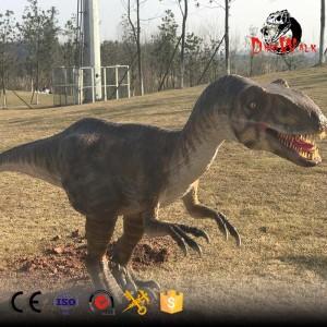 animatronic deinonychus model for dinosaur park