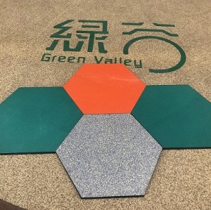 Hexagonal rubber tiles