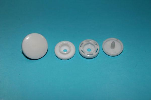 塑料四合扣  T10