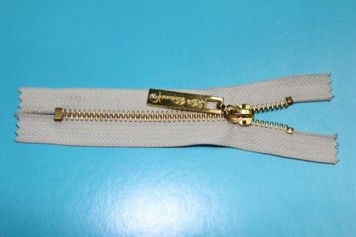金属拉链  AVV-MZ008