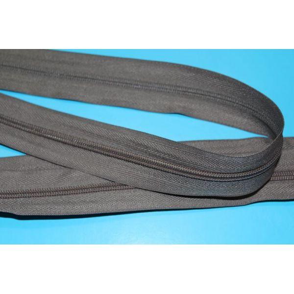 #5  nylon  long chain zipper