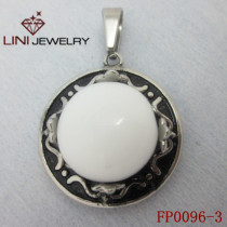 316L Stainless Steel Hat Pendant/ Pure White Glass Stone