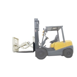 Forklift attachment forklift push and pull device