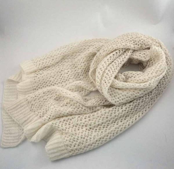 OUT CREUX écharpe tricotée ACRYLIQUE