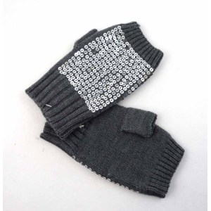 KNITTING GLOVES WITH SEQUINS