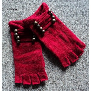 KNITTING GLOVES WITH BUTTONS
