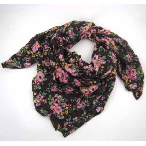 CASUAL WOVEN SCARVES