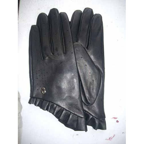 ELEGANT BLACK LEATHER GLOVES