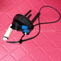 Domino Make-Up Manifold with Level Sensor