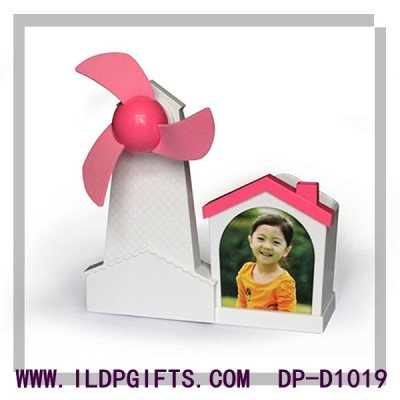 Pen container photo frame USB fan