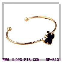 New simple design four-leaf clover bracelet