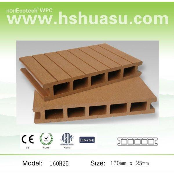 panneau de plancher en plastique en bois