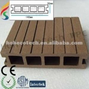 Decks de madeira composta com boa qualidade e baixo preço