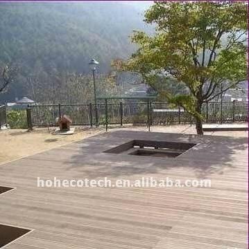 Le decking composé en plastique en bois de wpc de decking de bâtiment de villa/barre couvre de tuiles le decking en plastique composé