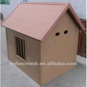 maison en plastique composée d'animal familier