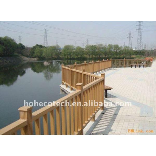 El diseño del pozo del puente de wpc barandilla a prueba de agua el puente de barandilla de madera de plástico compuesto de la escalera/barandilla de la cubierta