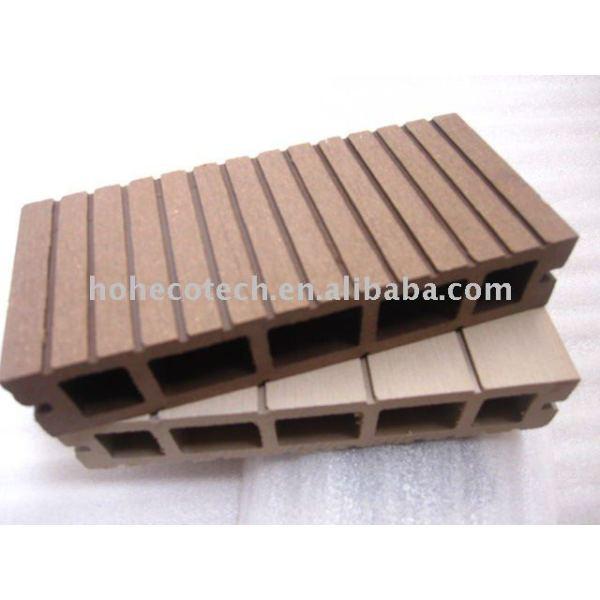 Plate-forme-Bois composé cannelé par 150x30mm creux de profil