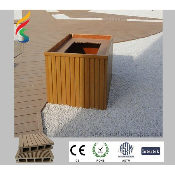 plancher composé en plastique en bois