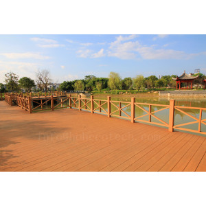 High color stability wood plastic composite decking floor