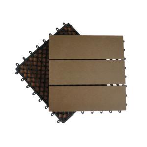 Tejas que se enclavijan compuestas plásticas de madera de la cubierta de la superficie de lijado antideslizante