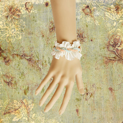 Princess's White Lace Wristband From Wholesaler