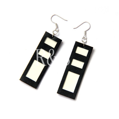 2012 Hot Sale Design Black%White Earrings From Wholesaler