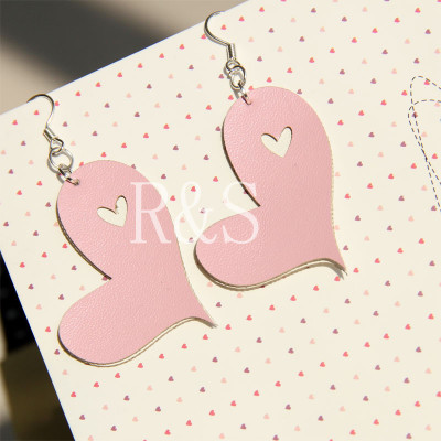Graceful pink heart pattern pendant earrings for beauty