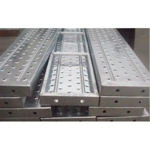 Steel plank with hook for system scaffolding