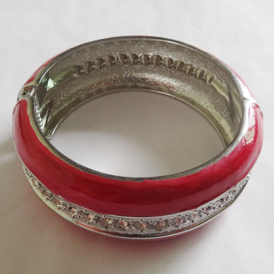 Fashion Zinc Alloy Bracelet Paved Stones In The Middle