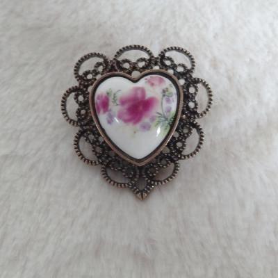Heart Shape Ceramics Brooch