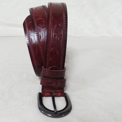 Stylish Dark Brown Leather Belt With Pattern