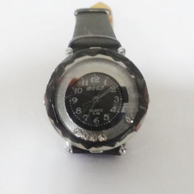 Black Shining Watch With Rhinestone