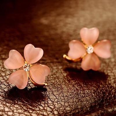 [Free Shipping] Hot Wholesale Jewelry Fashion Fresh Clover Opal Earrings