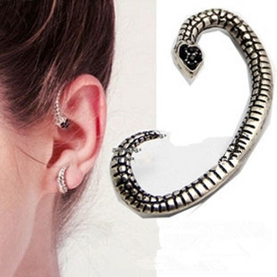 [Free Shipping]  Jewelry Wholesale European And American The Ancient Silver Snake Winding Punk Retro Diamond Shape Earrings