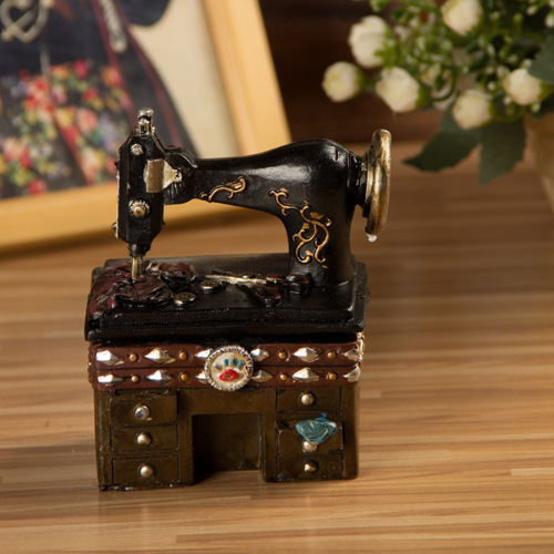 Nostalgic Ornaments Retro Sewing Machine Jewelry Box
