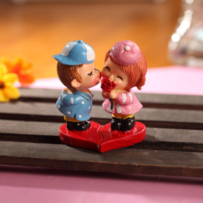 the small ornaments Piece of the zakka groceries sweet couple series desktop decoration / resin doll