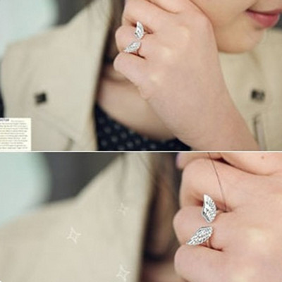 [Free Shipping]M40062 Korean jewelry new connubial angel wings opening ring adjustable couple ring on the ring