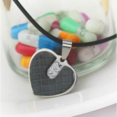 [Free Shipping]Plaid Double Strange Peach Heart Diamond Titanium Steel Necklace