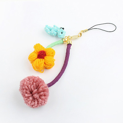 [Free Shipping] Flower mobile phone pendant - Winnie the flowers in the hair bulb