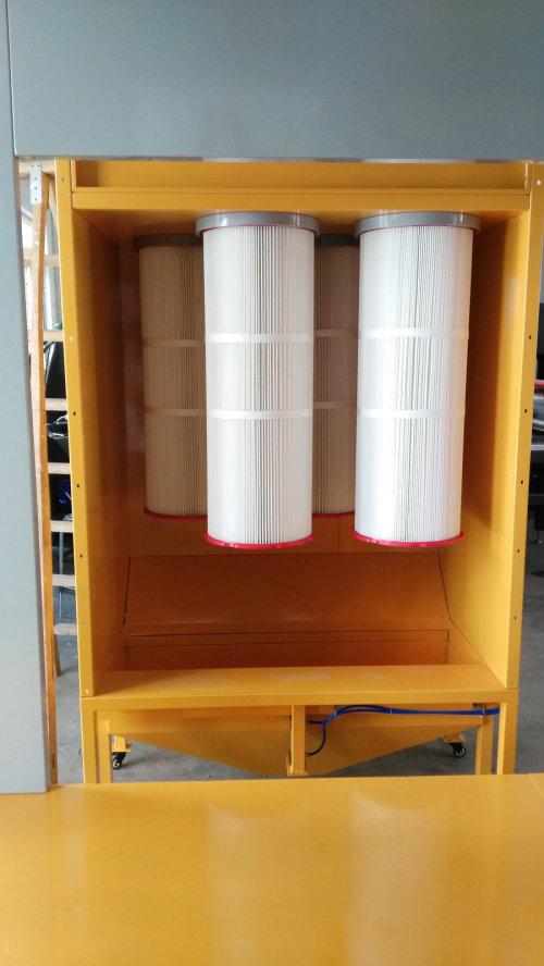 Ruční lakovací kabina na práškové barvy