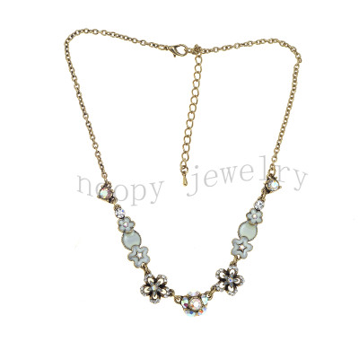 epoxy  crystal and crystal AB stones short necklace