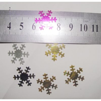Snowflake table confetti for Chirstmas decoration