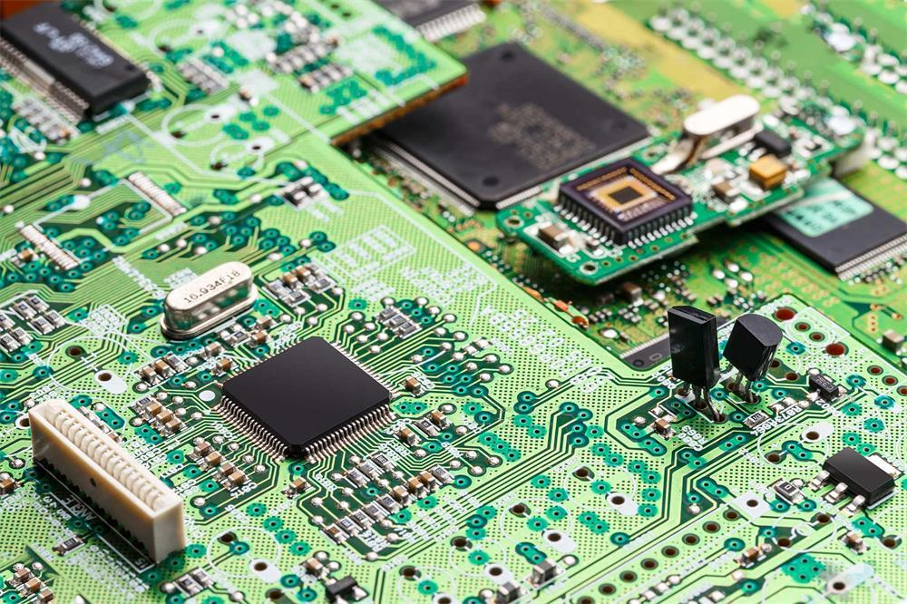 the components and advantages of the printed circuit board