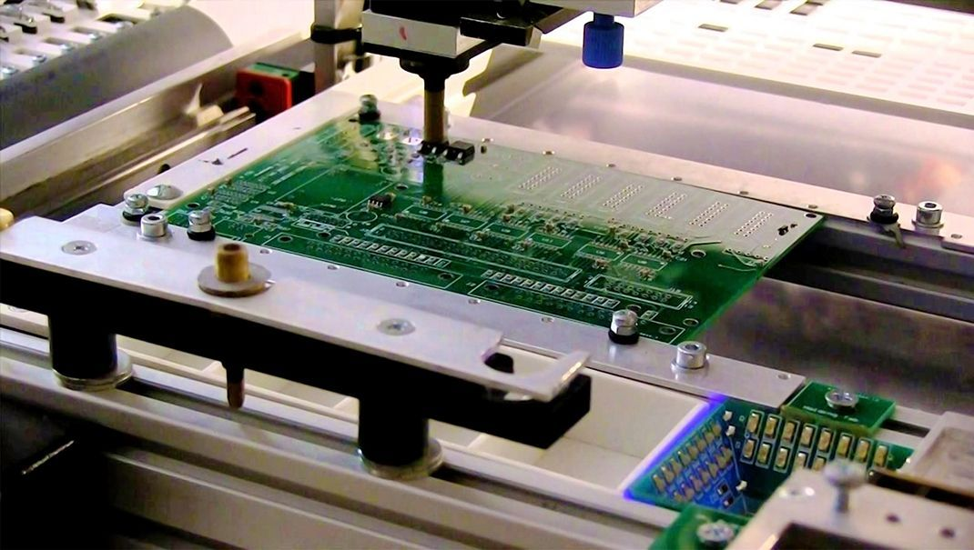 the shearing and sawing methods of printed circuit boards