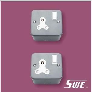 Switched BS 546 Socket (M Range)