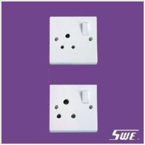 Switched BS 546 Socket (N Range)